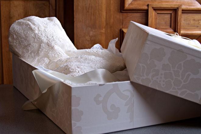 الاحتفاظ بفستان الزفاف بعد الحفلة