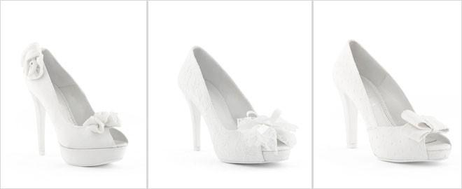 حذاء مزين بوردة