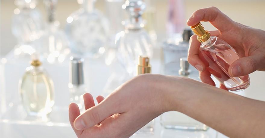 كيف تختارين العطر المناسب لزفافك