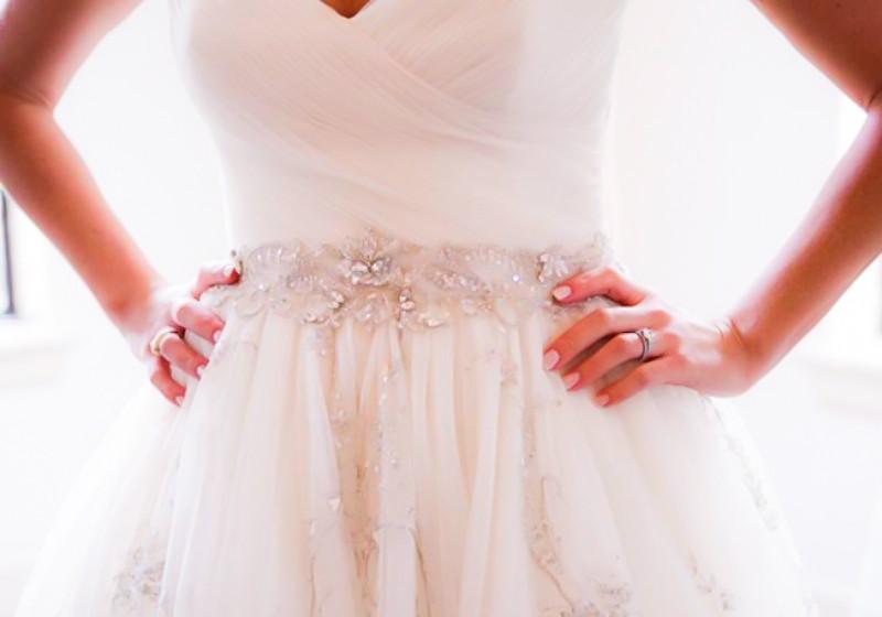 فساتين زفاف باحزمة