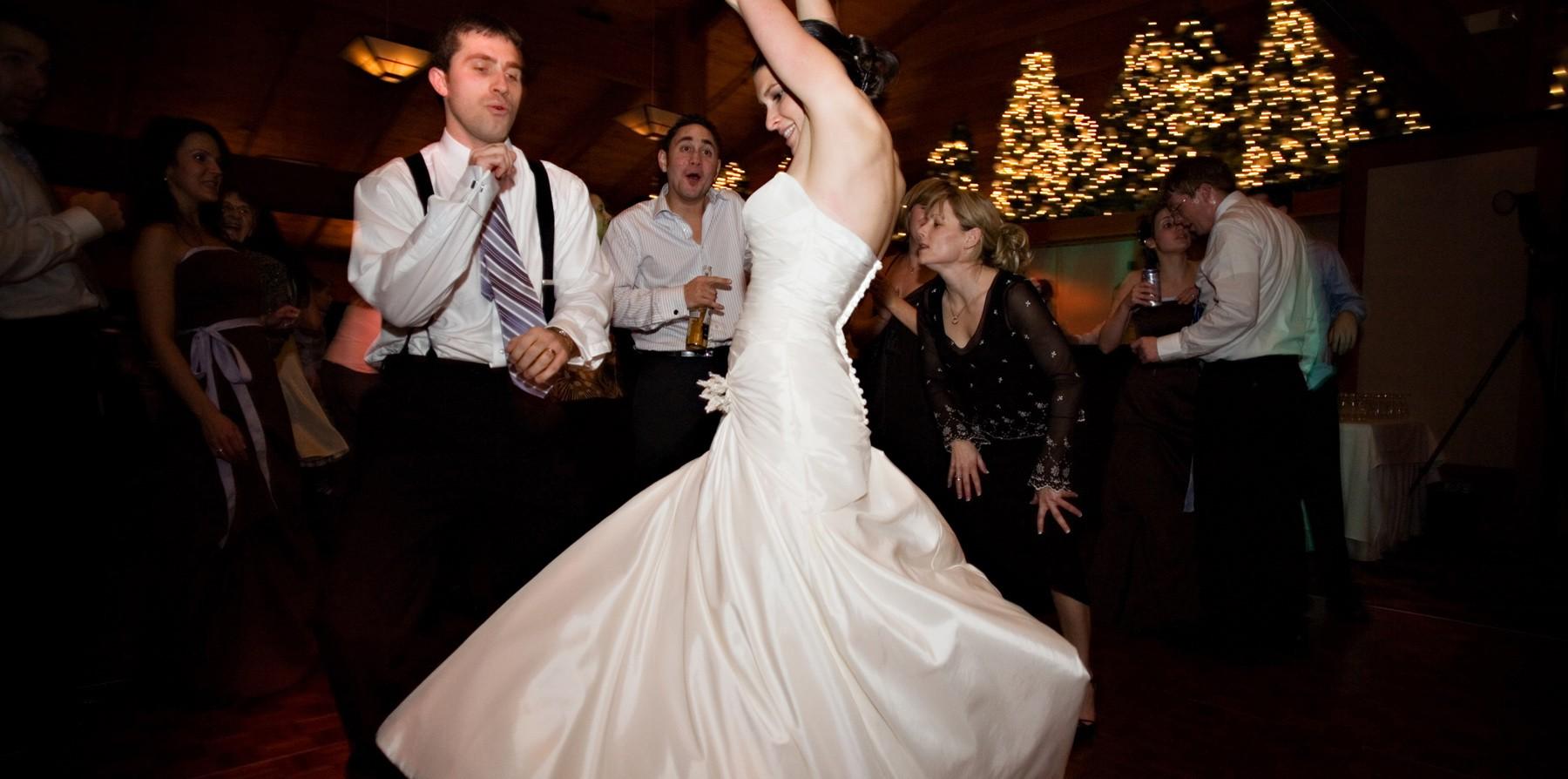 كيف ترقص العروس في حفلة زفافها