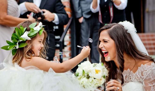 الأطفال بهجة حفل الزفاف