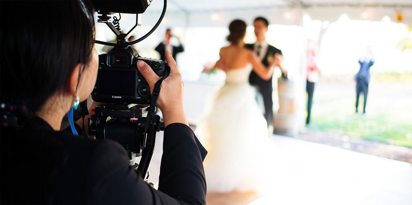 الفيديو في حفلات الزفاف