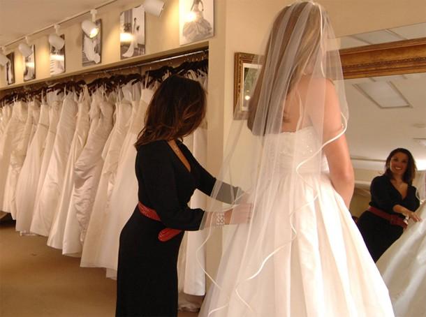 أروع الفساتين البيضاء