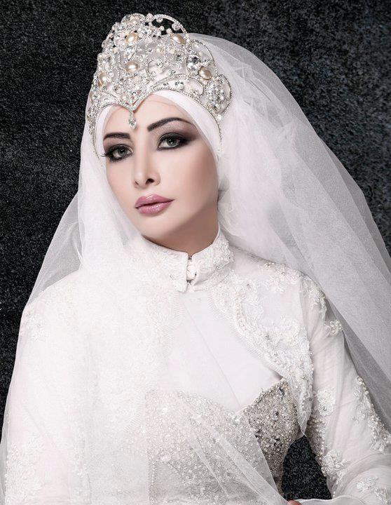 تاج العروس المحجبة