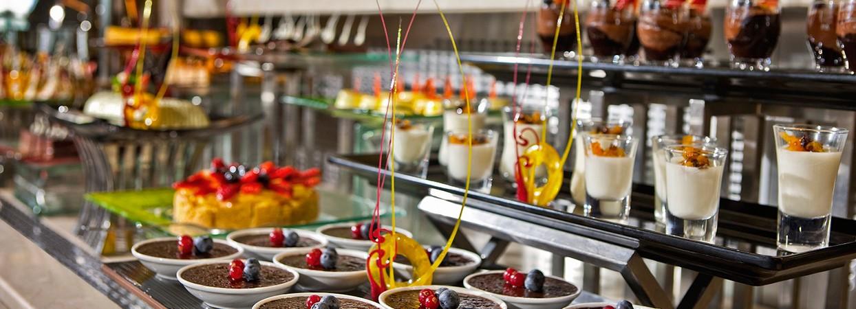 أصناف الحلويات في البوفيهات المفتوحة