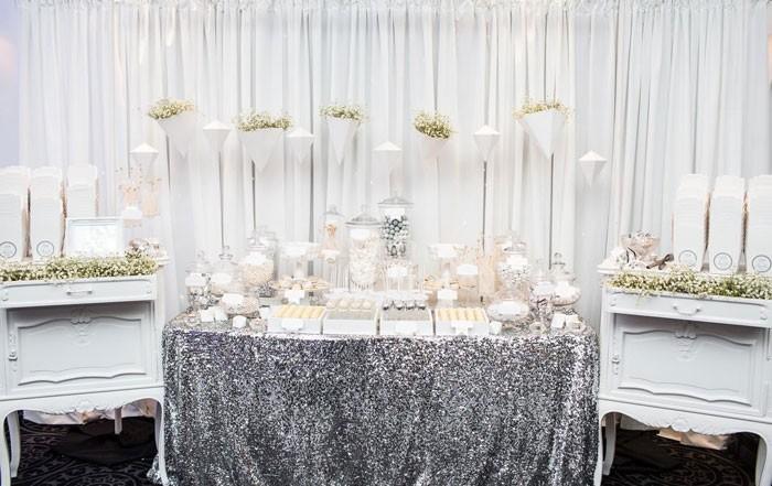 الفضي في حفلات الزفاف