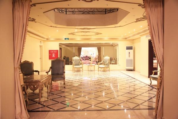 قاعة كريستالة للأفراح