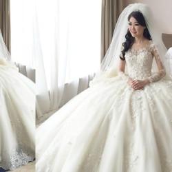 الفستان الأبيض