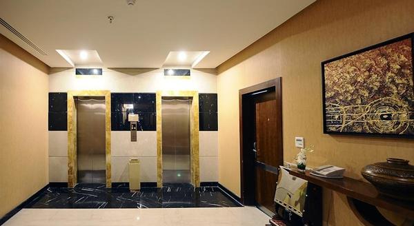 فندق قصر الحمرا - وارويك