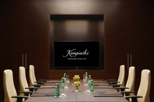 فندق برج رافال كمبينسكي