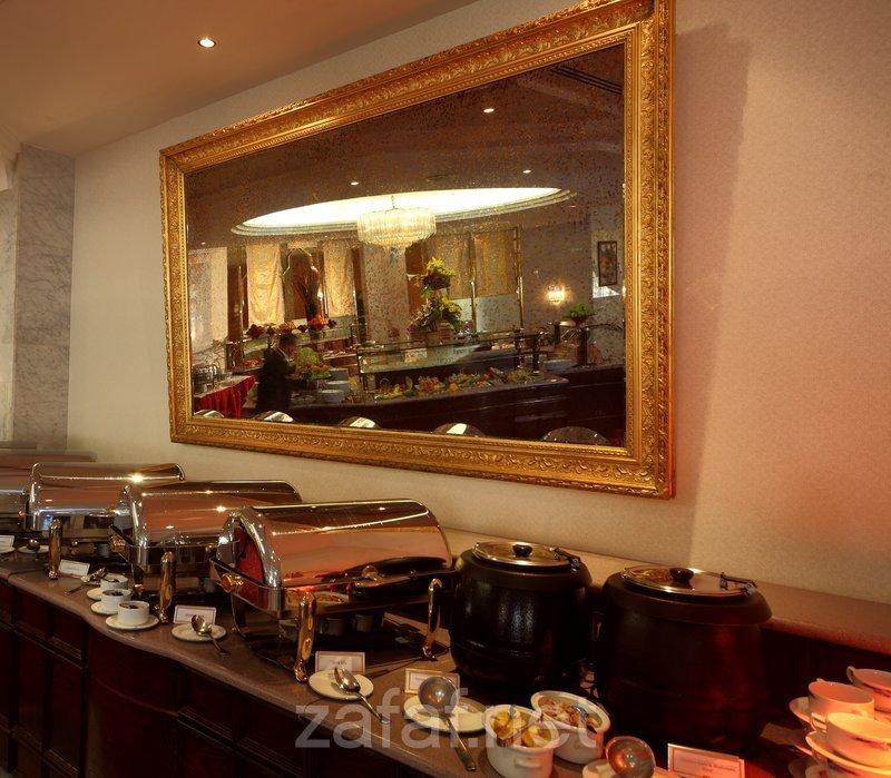 مطعم الياسمين-كراون بلازا رياض منهال
