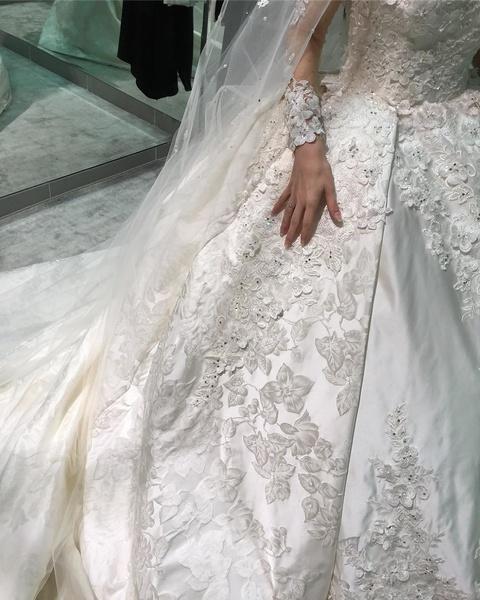 دار الهنوف لفساتين الزفاف