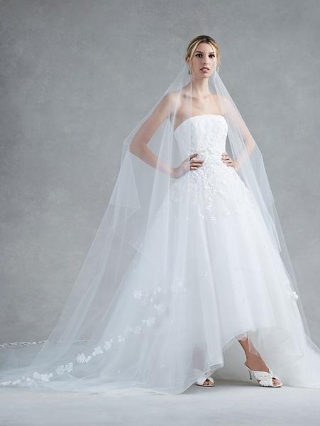 516bdb47e اوسكار دي لا رينتا - فستان الزفاف الرياض