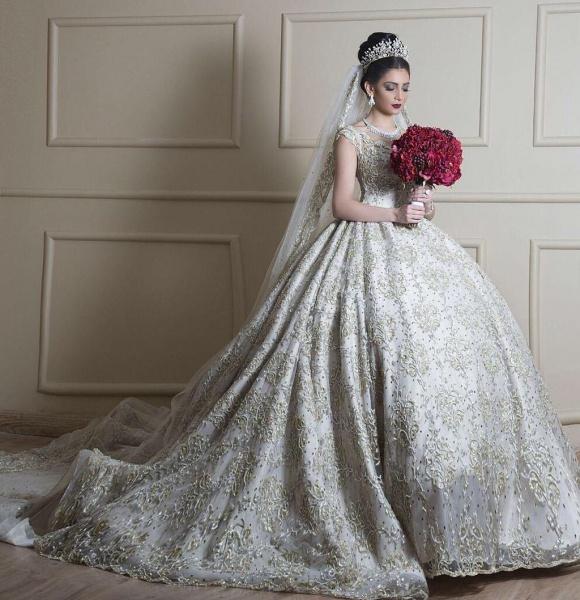 المصممة همسة الصوفي لفساتين الاعراس