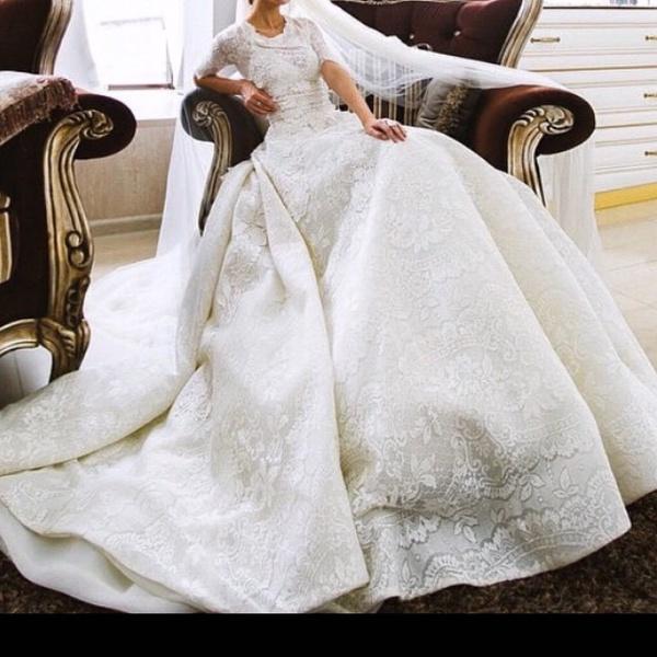 فيفيان لفساتين الزفاف