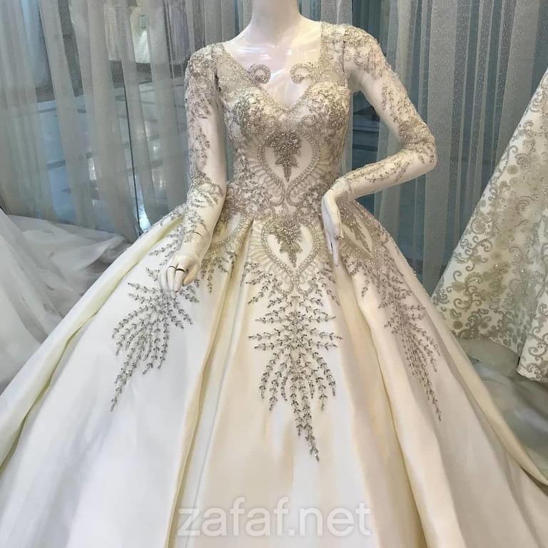 المتنبي لفساتين السهرة